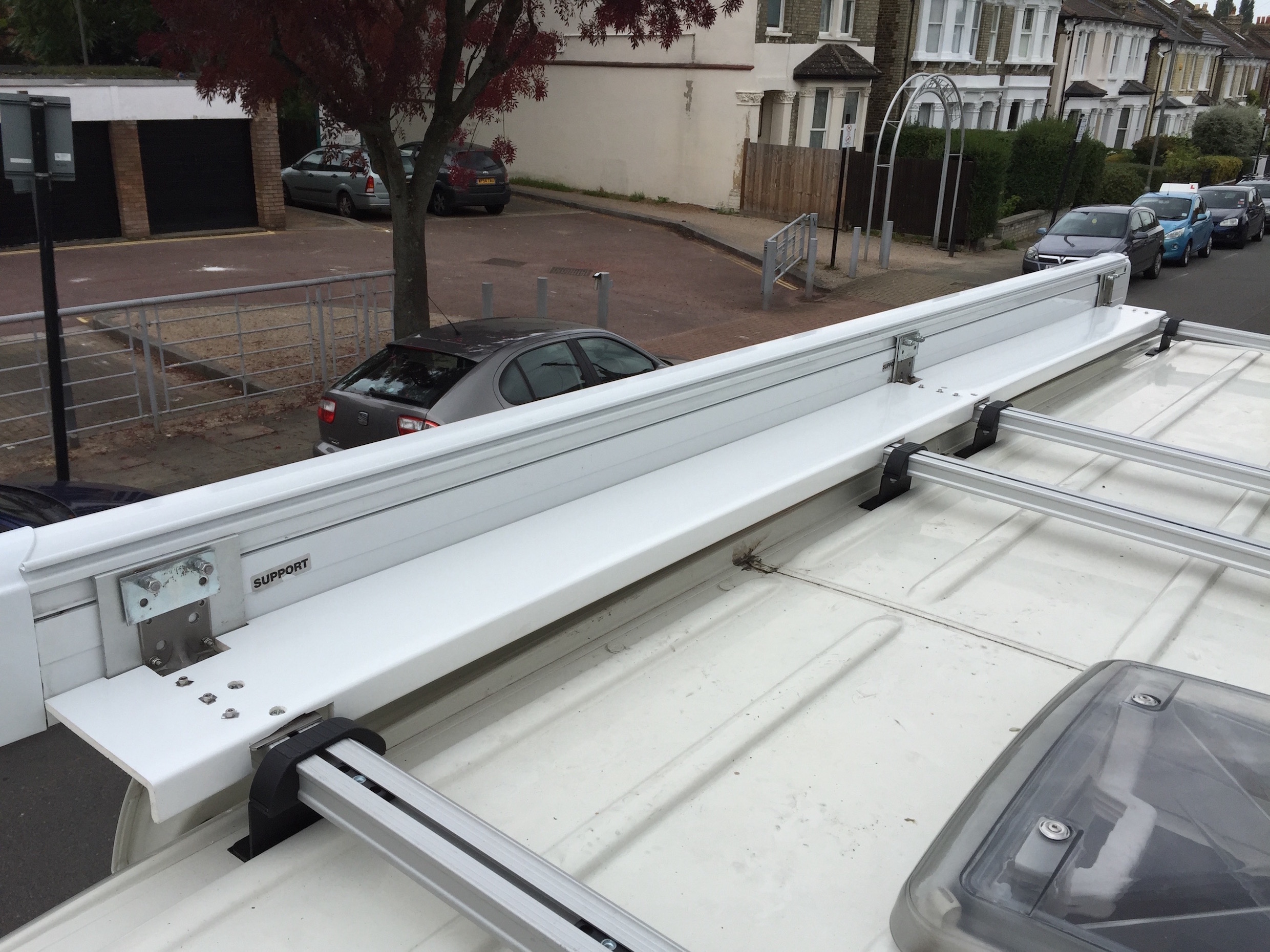 Awning gap cover top